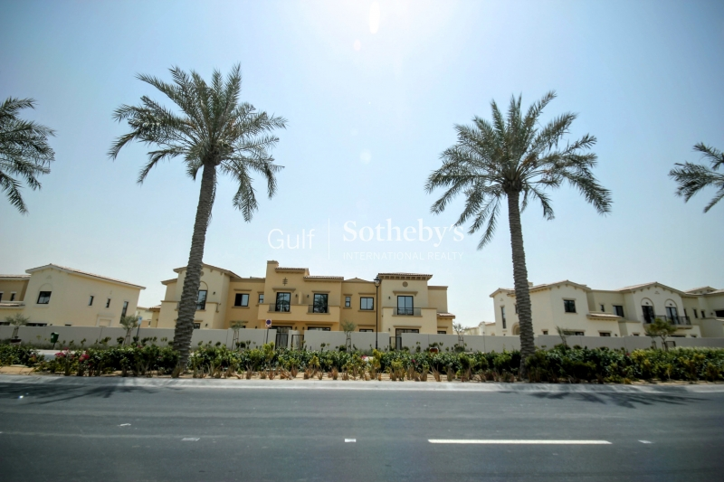 4 Bedroom Single Row Mira 2 Opposite Pool