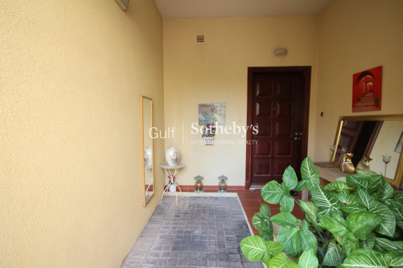 Aed 145,000. Upgraded 2 Bedroom Villa To Rent. Er R 10133