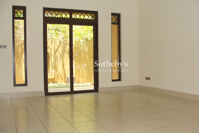 Old Town-3 Bedroom With Private Garden