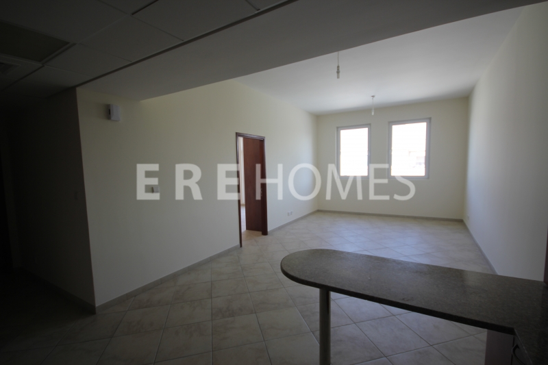 Spacious 1 Bedroom Apartment In Widcombe House Available Now Er R 15787