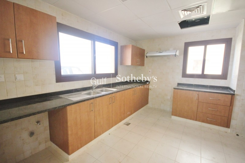 Spacious 2 Bedroom With Terrace In Arno
