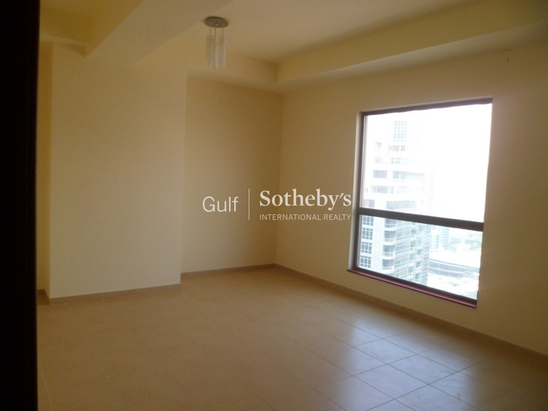 2 Bed Tiara Vacant With Private Double Garage And Sea View Er S 5325